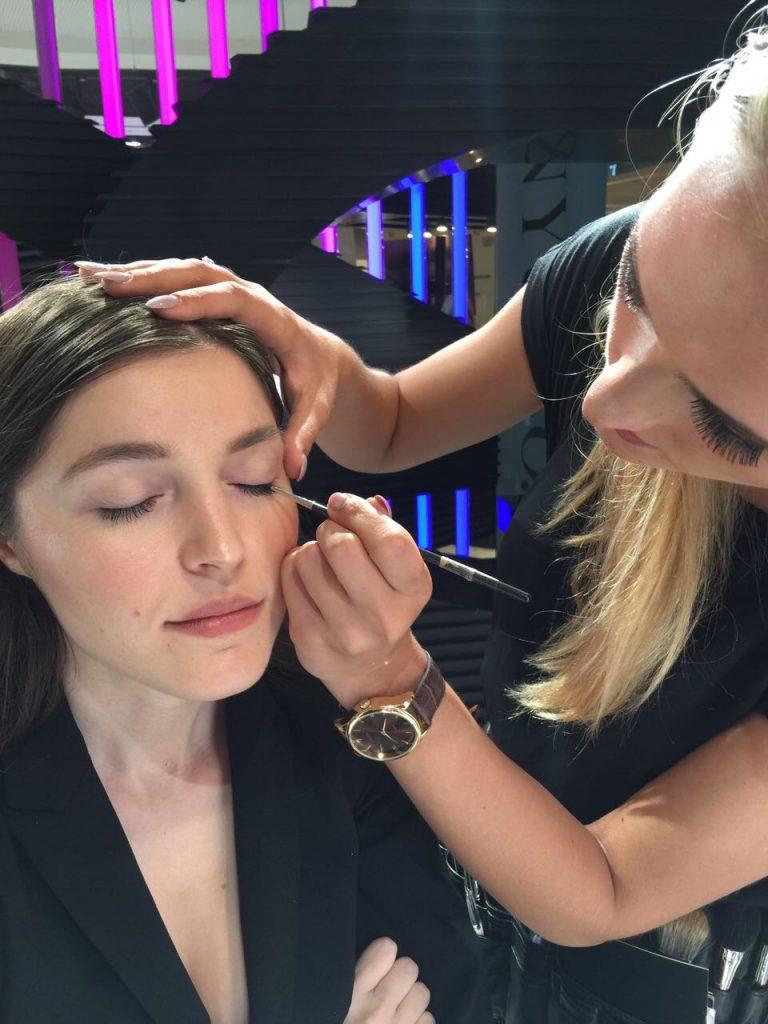 Nurgül Kolukırık makyaj eğitimi
